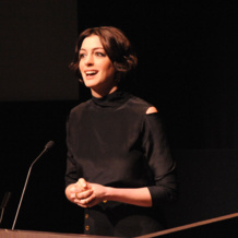 Anne Hathaway wears Monica Vinader Skinny Diamond Rings to the premier of her new movie Song One.